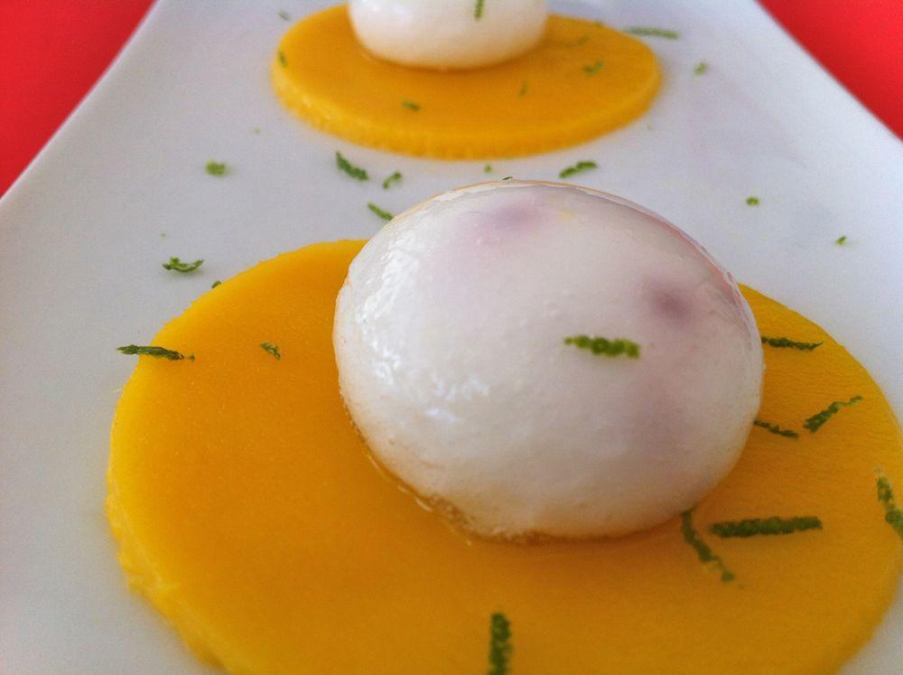 Sfere Liquide Di Yogurt Con Falso Caviale Di Fragole Kitchen Journal