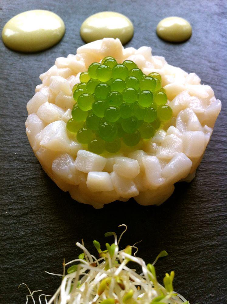 Scallop s tartare with coriander caviar and wasabi mayonnaise kitchen journal - Cucina molecolare sferificazione ...